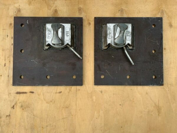 dovetail deck mount twist lock for shipping containers